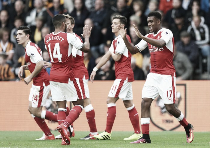 Com um a mais, Arsenal goleia Hull City e mantém invencibilidade no KC Stadium