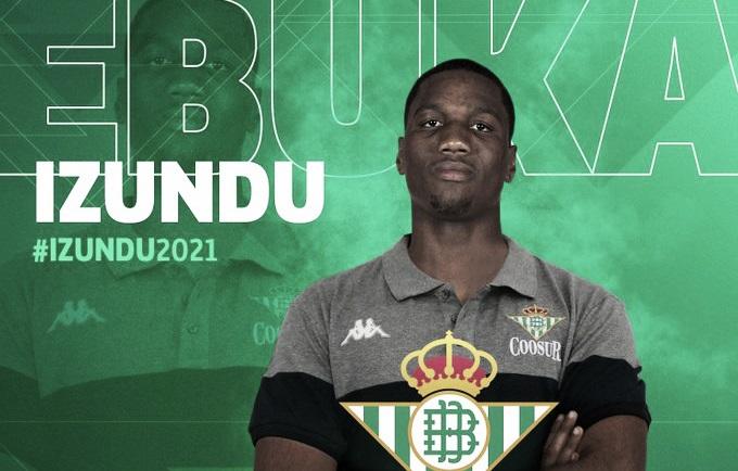 Ebuka Izundu, poderío físico para la pintura del Coosur Real Betis