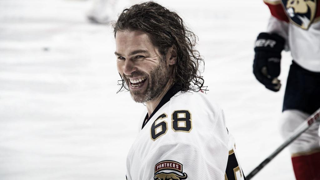 Jaromir Jagr vuelve al hockey tras superar sus lesiones