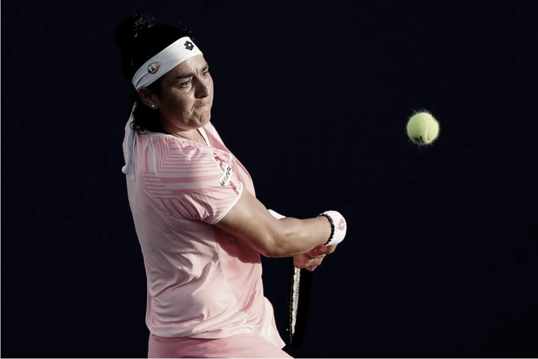 Jabeur dá o troco em Kovinic e avança à final do WTA 250 de Charleston