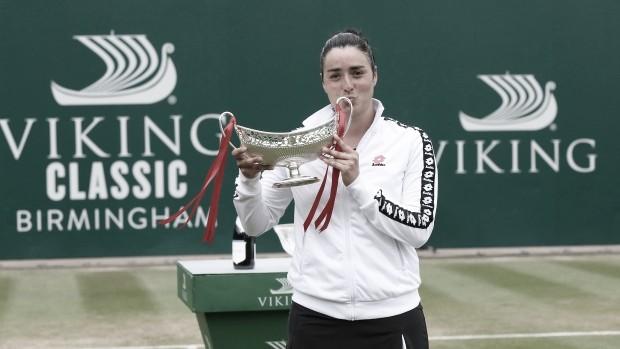 Jabeur supera Kasatkina em Birmingham e é primeira árabe campeã na história da WTA