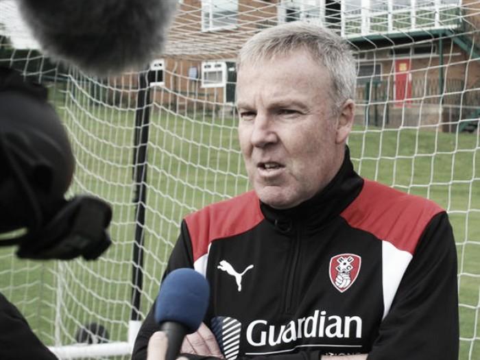 Kenny Jacket abandona el Rotherham tras 39 días en el cargo
