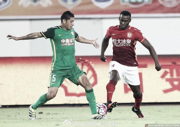 Jackson Martínez volta depois de quase quatro meses, mas Guangzhou Evergrande apenas empata em casa