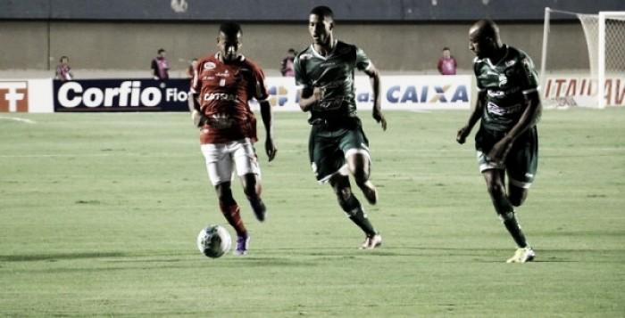 Vila Nova e Luverdense empatam em Goiânia e seguem no meio da tabela