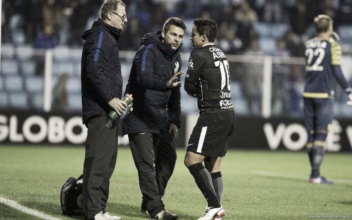 Jadson tem lesão confirmada e desfalca Corinthians por 30 dias