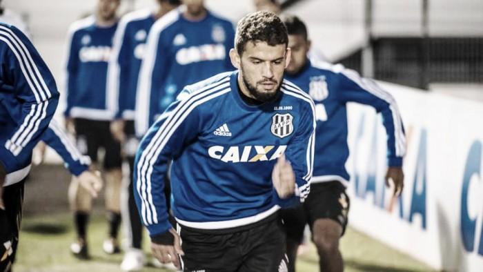 Fluminense fecha com volante Jadson e mira contratação de lateral Gilberto