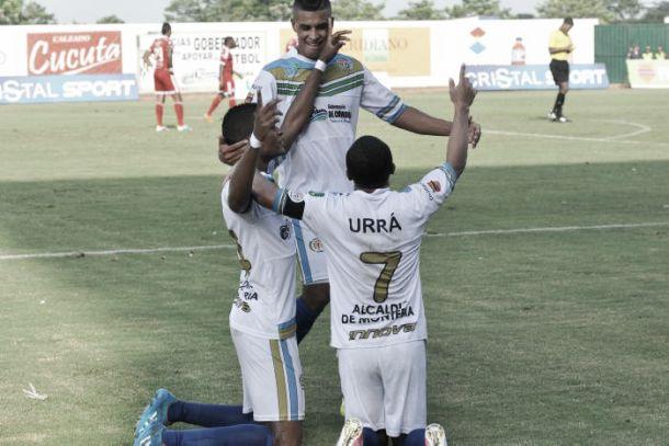 Jaguares consigue su primera victoria en la primera división