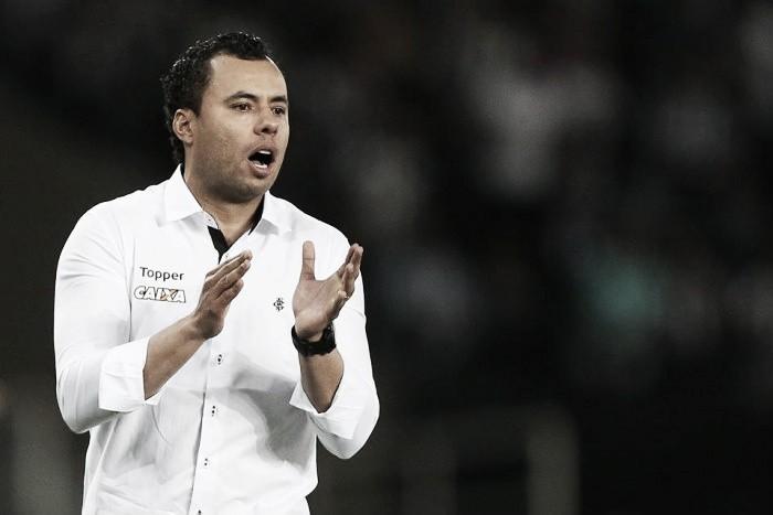 Jair Ventura é anunciado como novo técnico do Santos