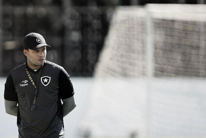 Jair Ventura perde invencibilidade diante do Atlético Paranaense