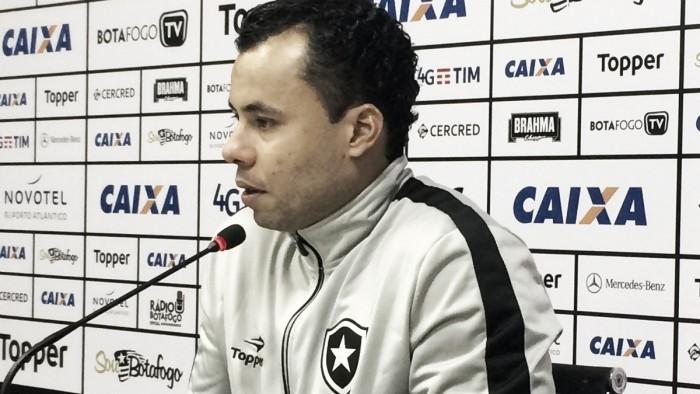 Jair Ventura exalta 'vitória maiúscula' do Botafogo no clássico contra o Vasco