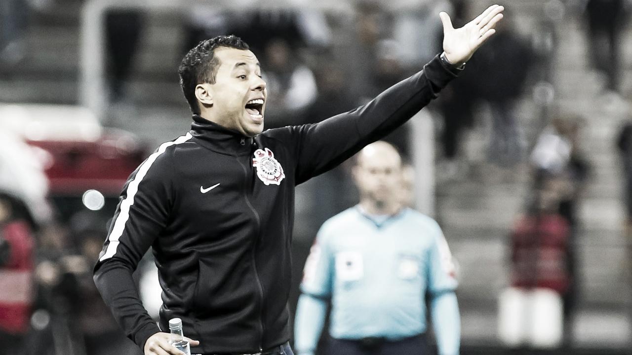 """Jair Ventura pede reação do Corinthians após derrota: """"Não adianta ficar lamentando"""""""