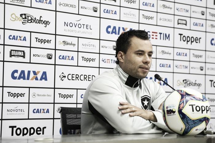 """Jair afirma que poupará jogadores contra o Cruzeiro: """"Preço que se tem que pagar"""""""