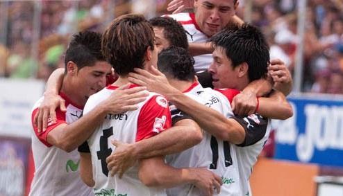 En Costa Rica, hay una pelea de equipos y números