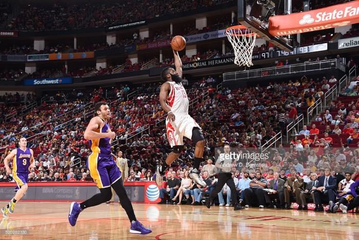 NBA Night - Harden fa visita ai Lakers, in campo anche Gallinari e Belinelli