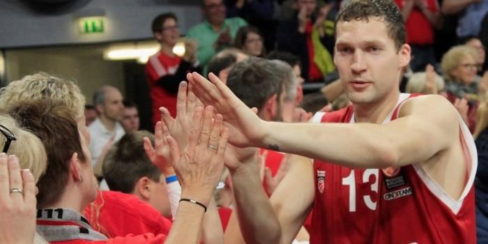 Strelnieks-Miller-Theis: il Bamberg domina il Barcellona!