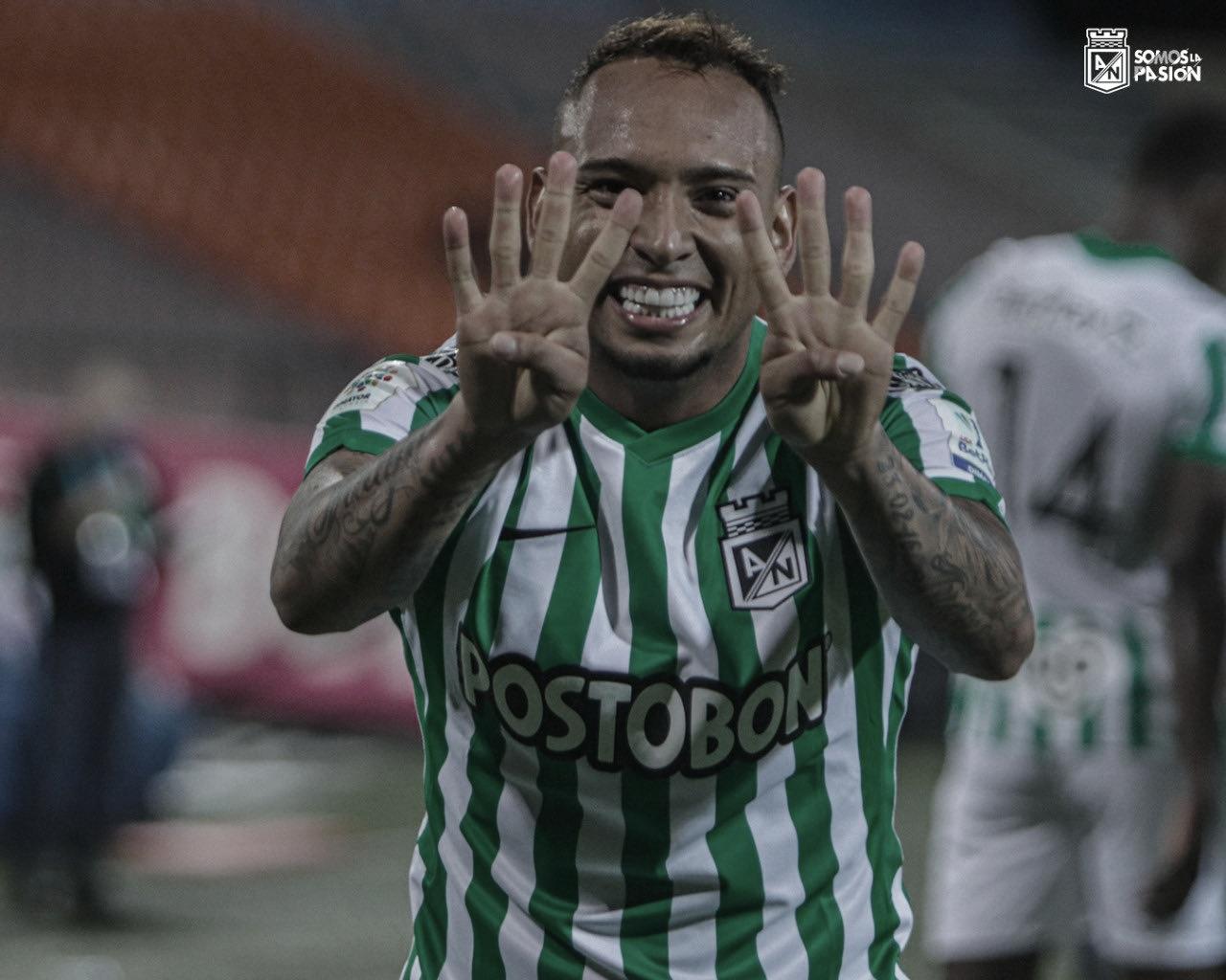 Jarlan Barrera, la pelota siempre al '7'