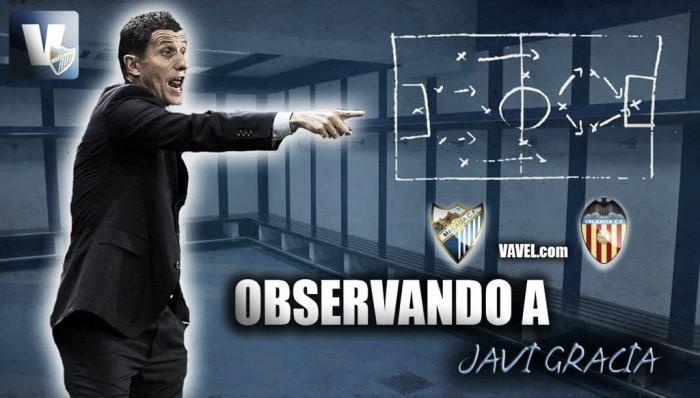 Observando a Javi Gracia frente al Valencia