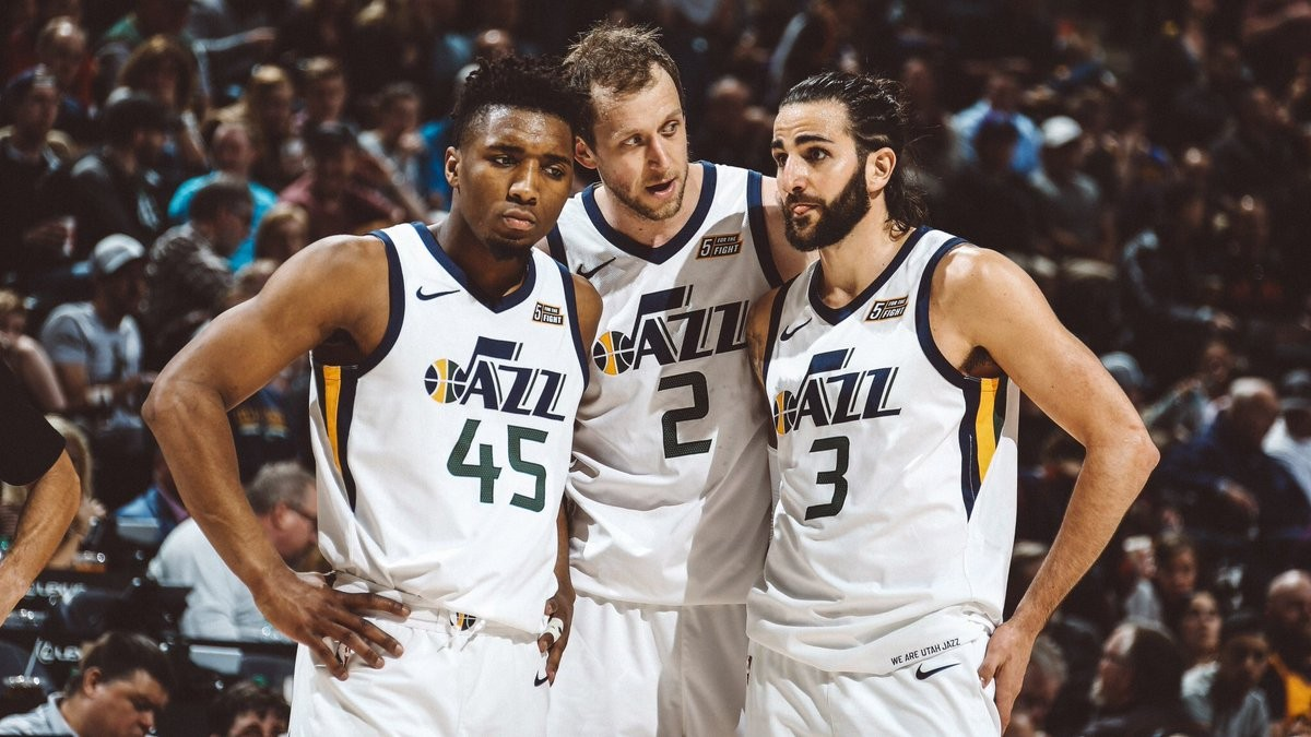 NBA - Utah Jazz sul velluto, Golden State travolti a Salt Lake City