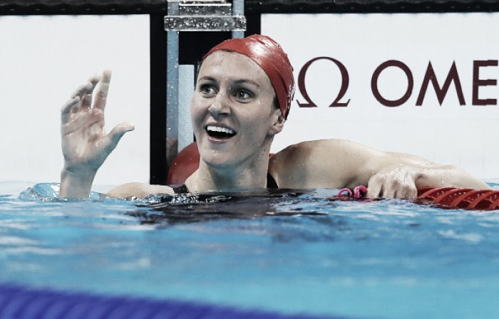 Rio 2016: Jazz Carlin wins silver for GB in women's 400m freestyle final