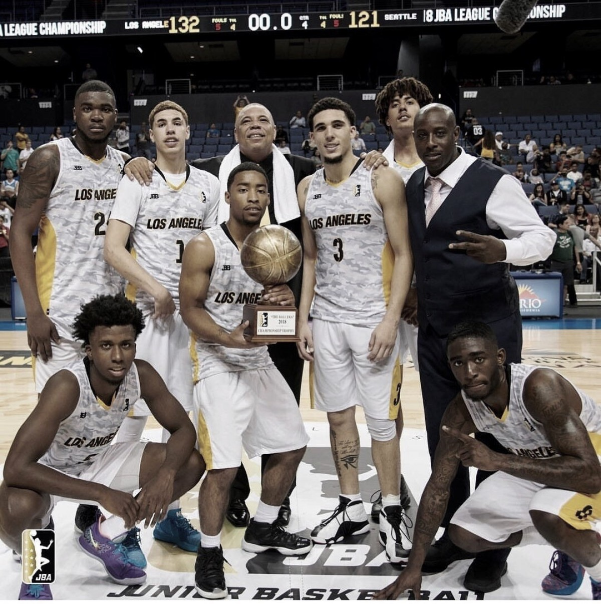 LA Ballers ganan la primera JBA