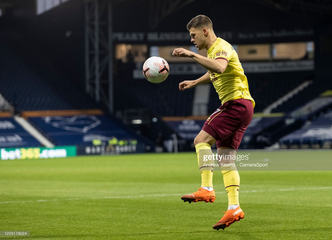 Burnley extend the contracts of four first-team players
