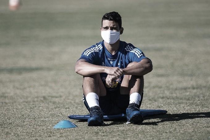 Volante Jean, do Cruzeiro, testa positivo para Covid-19