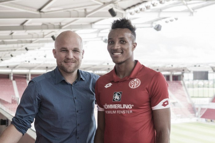 Jean-Philippe Gbamin assina por cinco temporadas com o Mainz 05