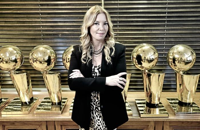 NBA - Golpe in casa Lakers: Jeanie Buss fa ufficialmente fuori il fratello Jim