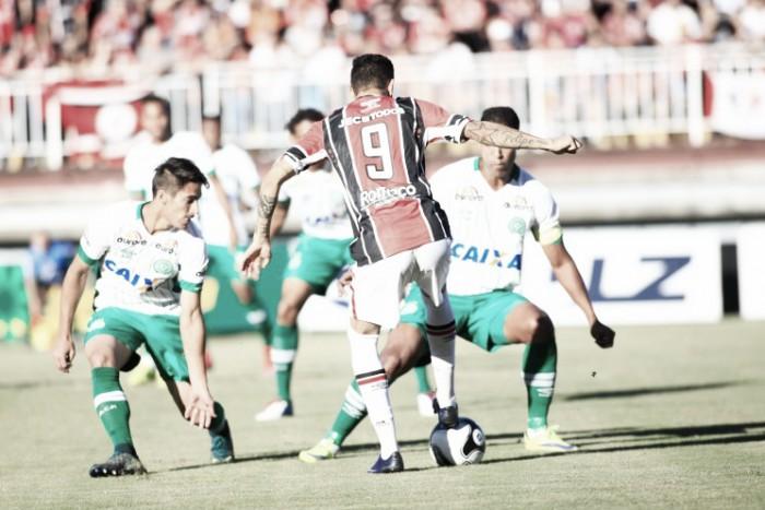 Em jogo pouco movimentado, Chapecoense derrota Joinville e se aproxima do título