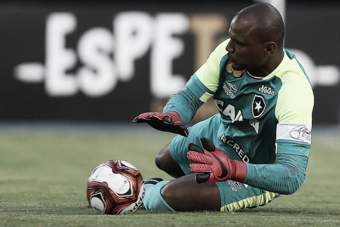 """Jefferson repudia protestos e afirma tristeza por eliminação do Botafogo: """"Ninguém dormiu"""""""