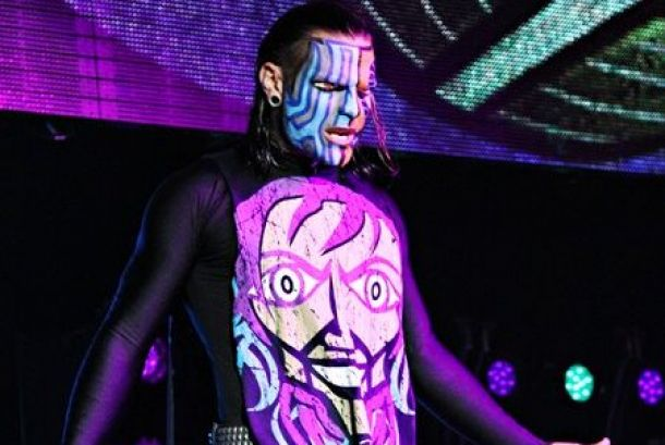 """Jeff Hardy """"Injured"""" During Cage Match"""