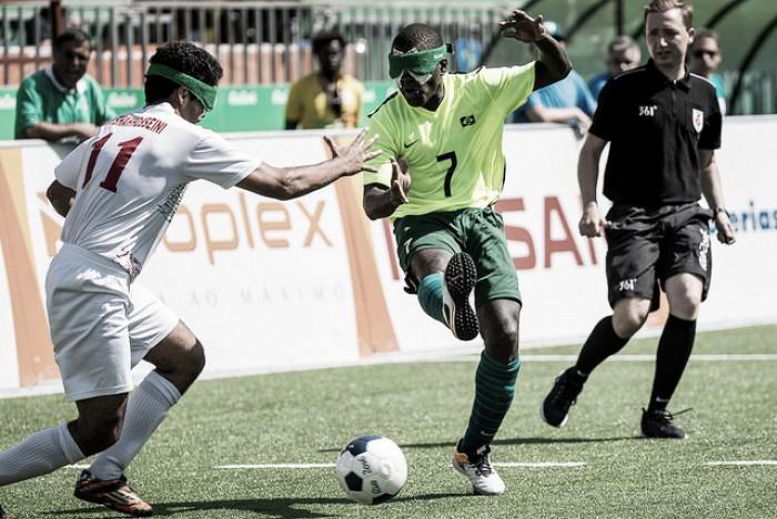 Brasil empata com Irã e enfrenta China nas semifinais do futebol de 5 masculino