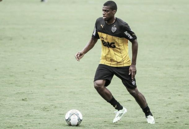 Destaque no Atlético-MG, Jemerson é convocado por Dunga para substituir David Luiz