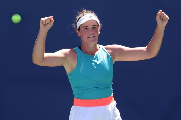 Brady reaches first Grand Slam QF