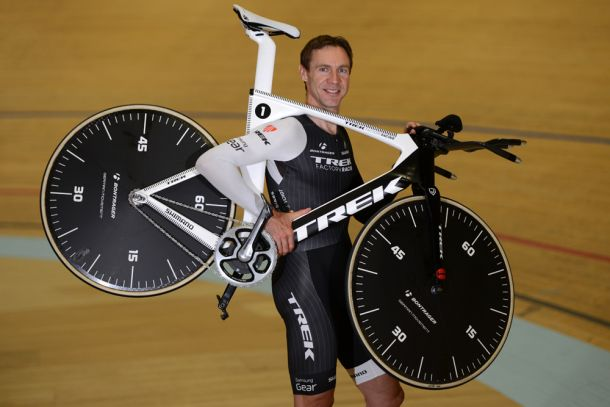 Voigt smashes Hour Record