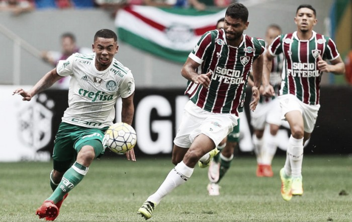 """Gabriel Jesus volta e reclama da violência do Fluminense: """"Rasgaram até minha chuteira"""""""