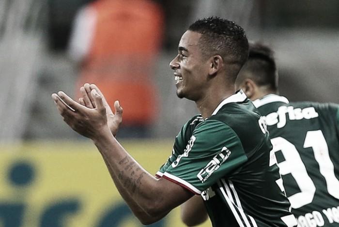 Autor de dois gols, Gabriel Jesus comemora vitória sobre Atlético-PR