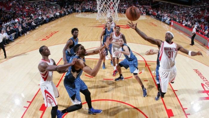 NBA - Oklahoma passeggia su Dallas, Houston si salva contro Wiggins