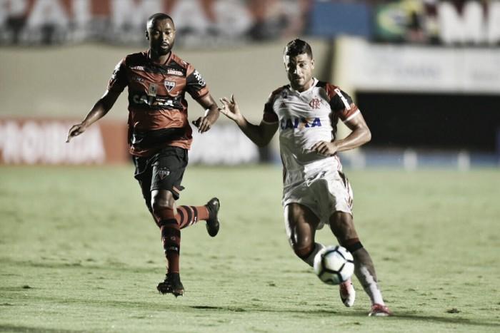 Opostos na tabela, Flamengo busca retomar posições em duelo contra desesperado Atlético-GO