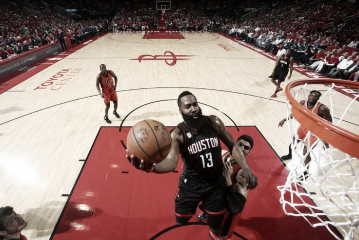 NBA, Houston dilaga contro i Thunder in gara-1 (118-87)