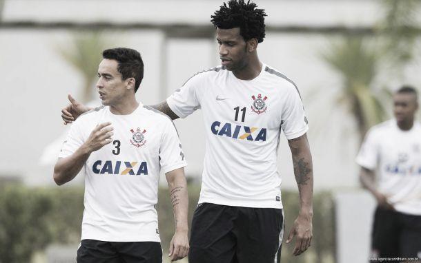"""Jadson aguarda dificuldades e joga responsabilidade para Atlético-MG: """"Obrigação é deles"""""""