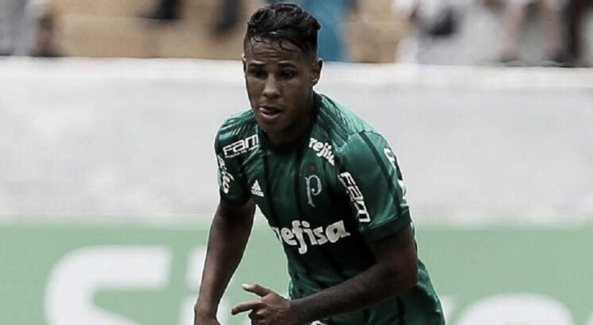 Emprestado pelo Palmeiras, Santa Cruz anuncia volante Johnny