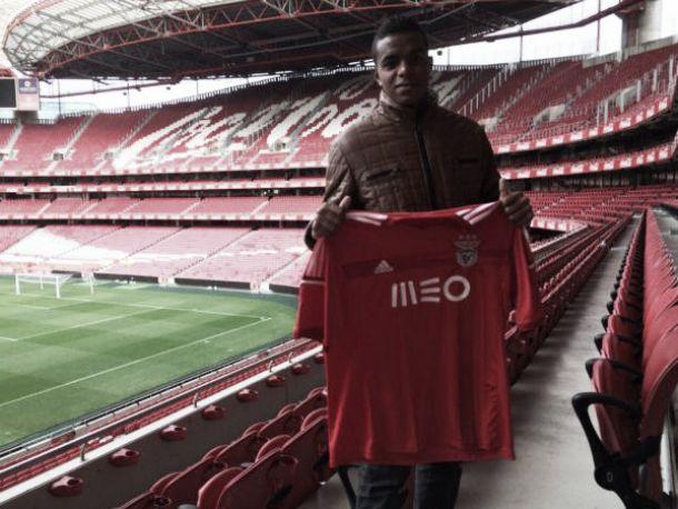 Benfica confirma, à CMVM, mais de uma dezena de reforços para 2015/2016
