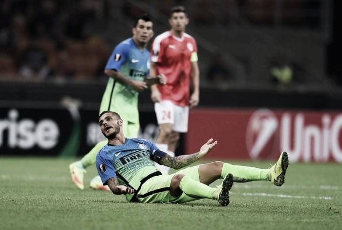 Internazionale decepciona e estreia com derrota em casa na Europa League