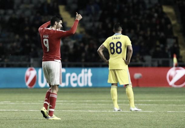 Benfica pode estar a horas do apuramento: Bis de Jiménez dá empate em Astana