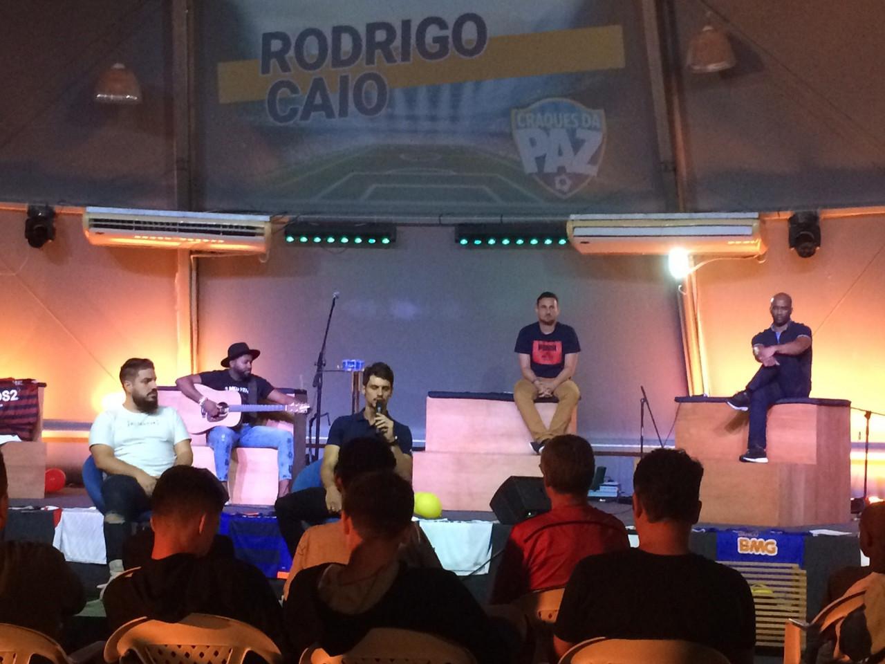 """Rodrigo Caio comenta sobre escolha de jogar pelo Flamengo: """"Melhor decisão da carreira"""""""