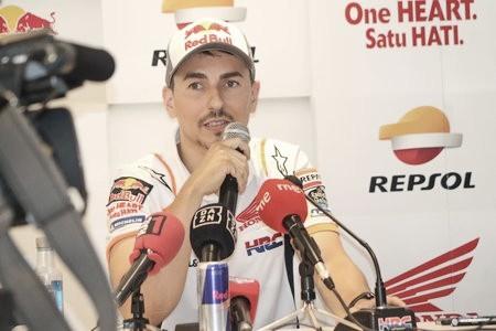 """Jorge Lorenzo: """"Estoy triste porque realmente quería hacer esta carrera"""""""