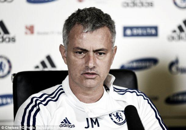 Mourinho responde às críticas após eliminação na «Champions»
