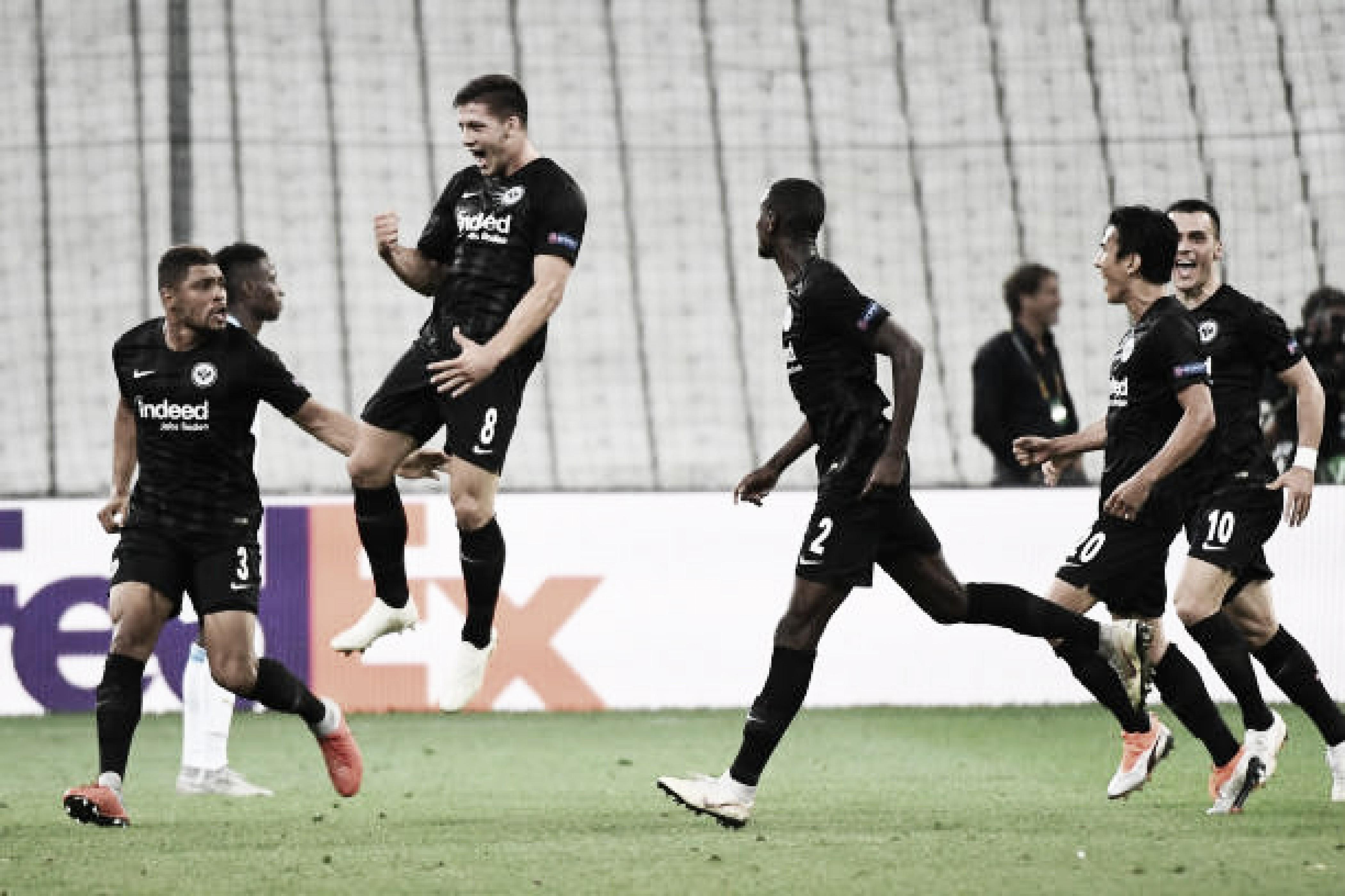 Eitrancht Frankfurt marca no fim e vence Olympique Marseille na Europa League
