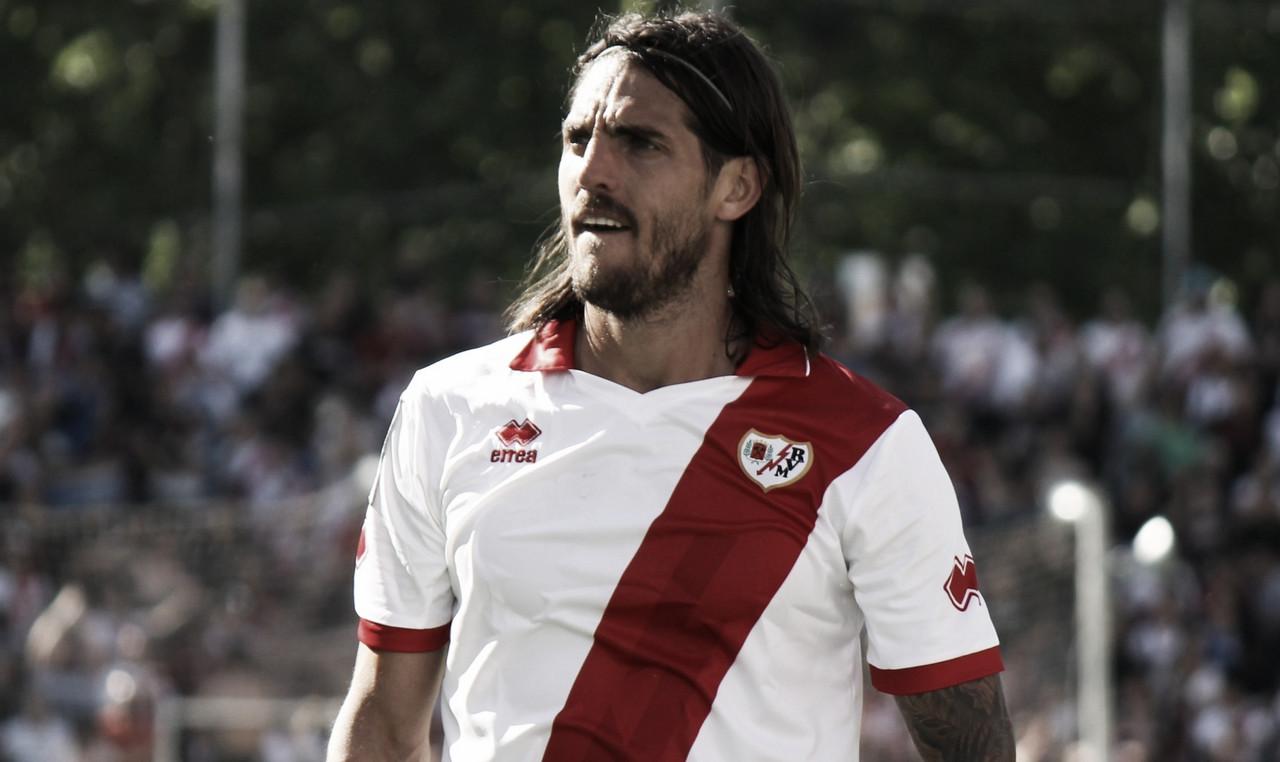 Larrivey emprende su marcha al fútbol paraguayo